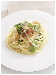 梅干しとバジルのスパゲッティ